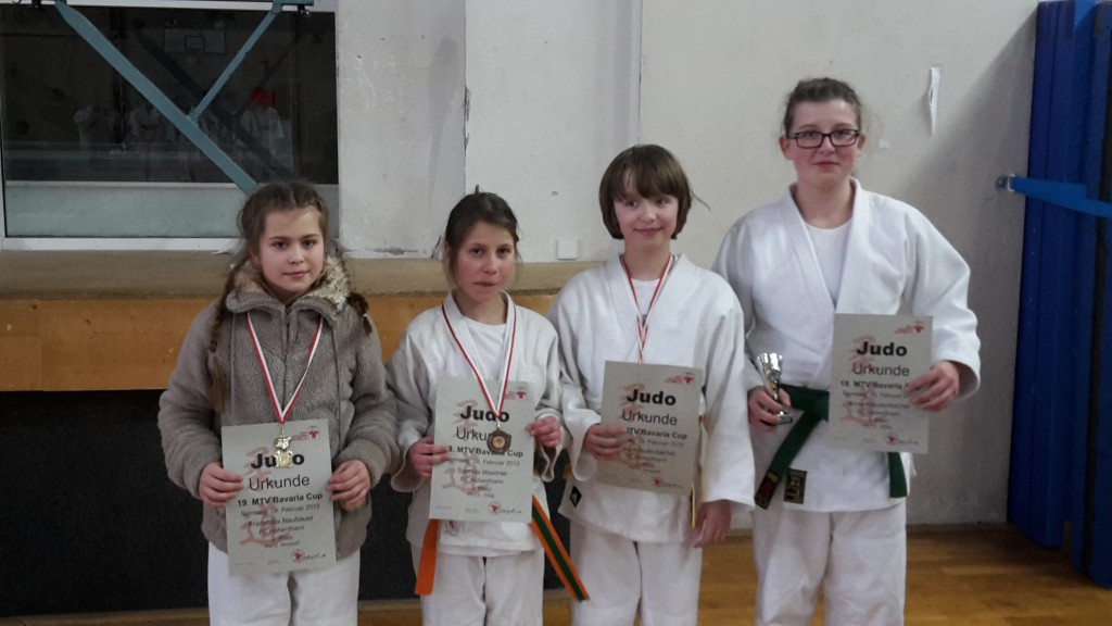 v.l.n.r. Franzi, Sabrina, Cara, Anna